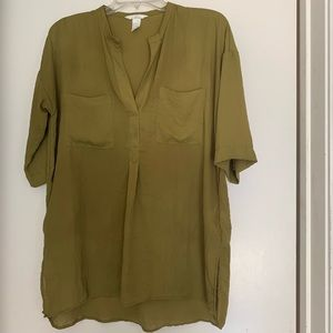 H&M loose fitting blouse